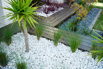 Ming Snow White Garden Pebbles from DecoR Stone