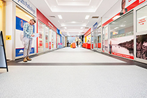 Adhesive-free Shopping Centre Flooring from Altro