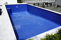 Glass Mosaic Tile Installation for Pools with LATICRETE