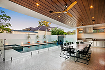 Timber-Look Outdoor Spaces with DECO