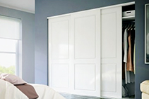 Soft-Close Wardrobe Doors - New Wardrobe Roll 50 by Brio
