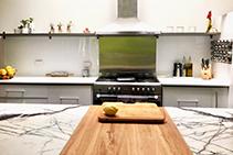 Beautiful White Kitchen Splashbacks by Innovative Splashbacks