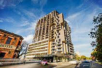 Fire Actuated Louvres for Adelaide Apartments by Safetyline Jalousie
