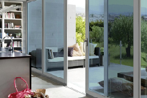 Sun Shade Self-Tinting Privacy iGlass from Paarhammer