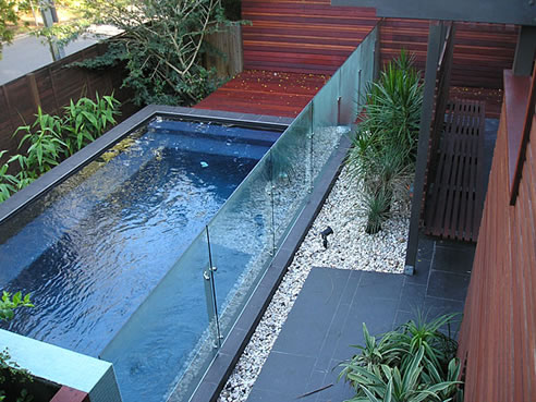 Glass pool fencing queensland network glass oxenford qld 4210 for Pool fence design qld