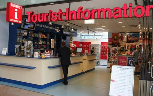 how to become a tourism officer