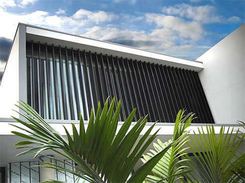 Plantation louvre shutters sydney rollashield for Balcony louvres