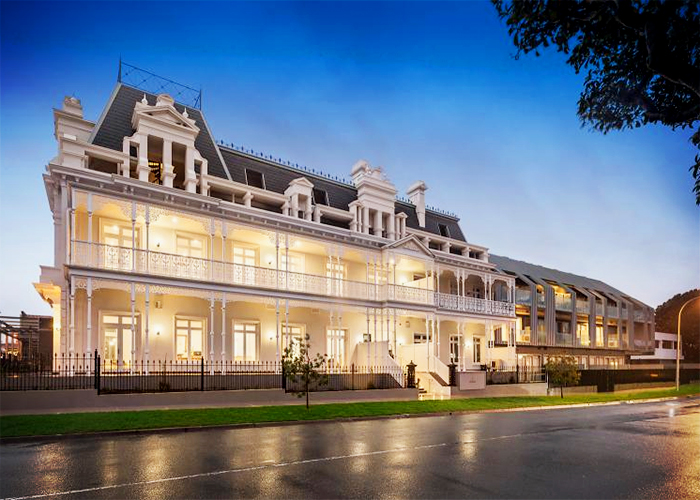 Commercial Moulding & Columns for Beaumaris Hotel by Unitex