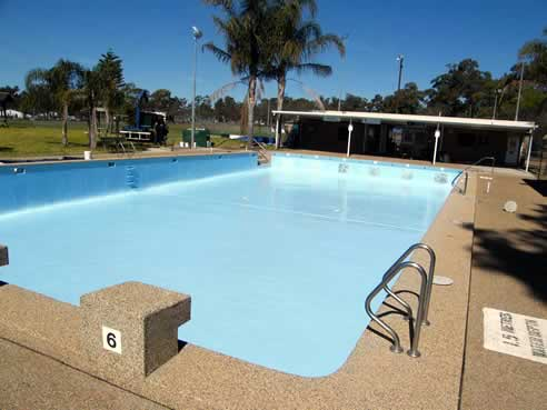 Epotec epoxy pool coating from hitchins technologies for Epoxy coating for swimming pools