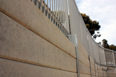 Lonsdale sleepers easypanels retaining wall outback for Retaining wall contractors adelaide