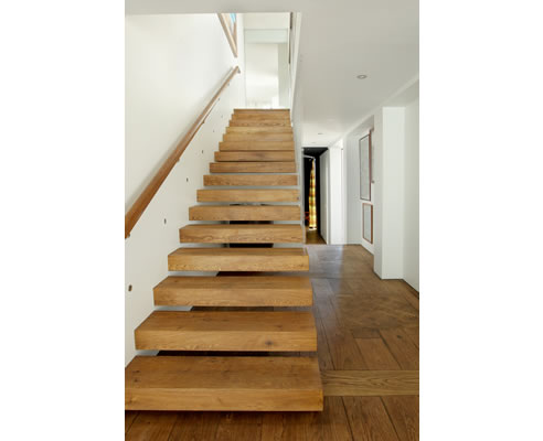 timber treads cantilevered staircase