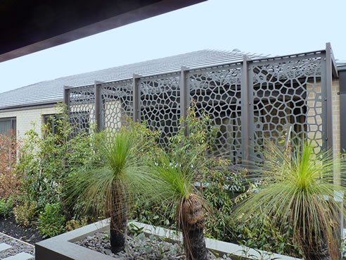 Patterned patio screens qaq architectural for Decorative patio privacy screens