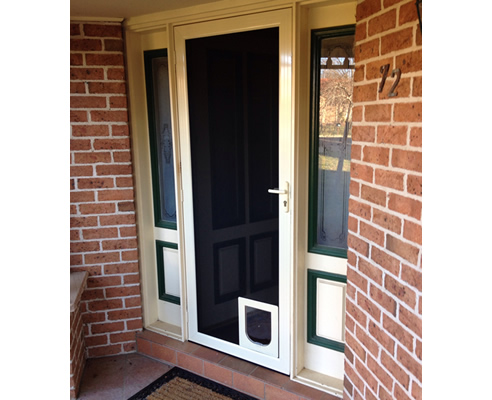 pet door in screen door