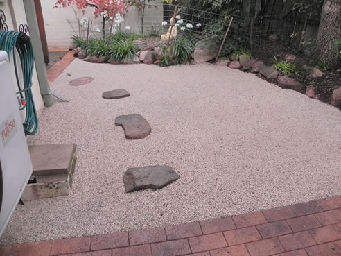 Loose Gravel Patio Submited Images Pic2Fly