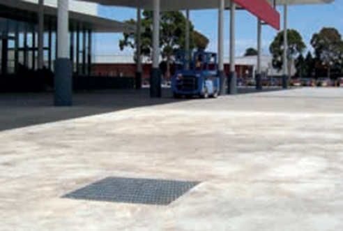 drainage grate service station