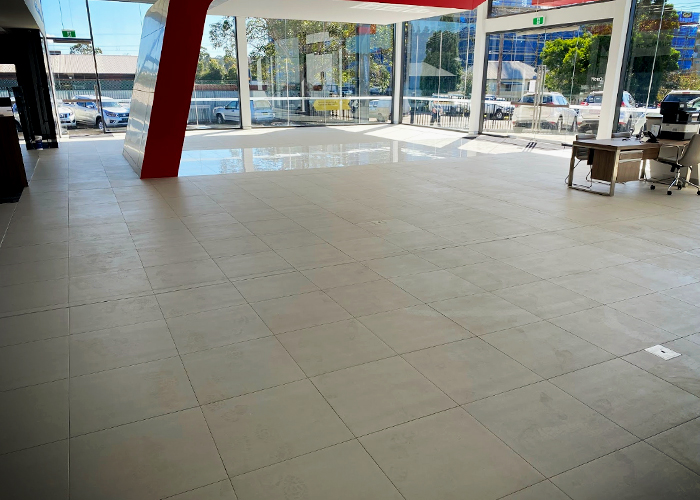 Commercial Adhesives for Porcelain Tiles from LATICRETE