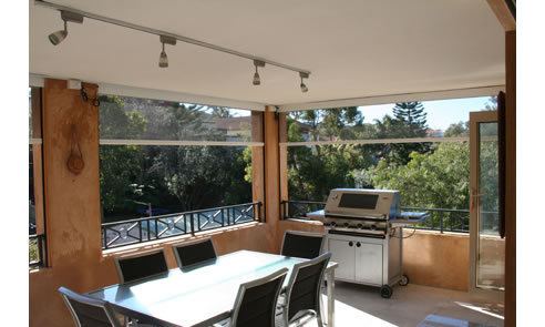 Automatic retractable screens elite home improvements for Automatic retractable screens
