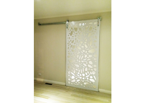 Indoor Privacy Screen Installation Tips | QAQ Architectural