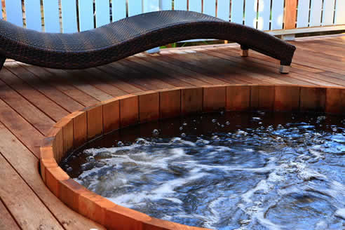 Traditional Western Red Cedar Hot Tubs From Ukko Saunas