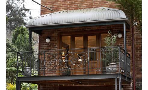 custom designed balustrades for external balconies from ironbark