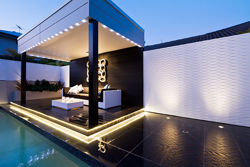 Outdoor Feature Walls Turn A Residence Into A Resort From