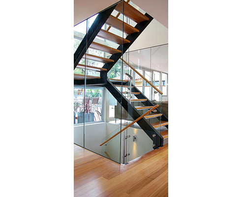 Amazing Dual String Staircase