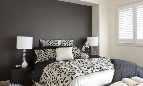 Colour consultant services australia dulux for Grey feature wallpaper bedroom